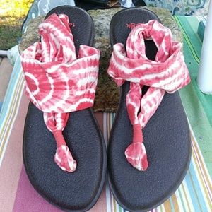 Sanuk yoga bed sandal